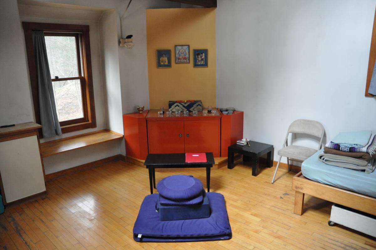 Buddhist Solitary Retreat Cabin, Karme Choling